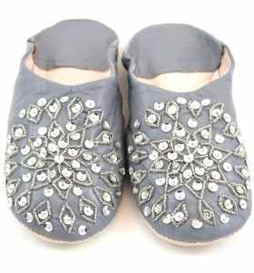 Embroidered AMIRA Slippers made of Grey Leather