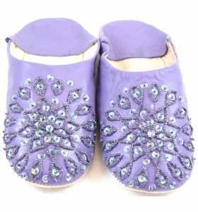 Babouches cuir Amira brodées violettes