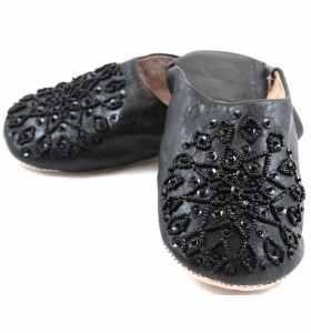 Babouches Amira brodées noires