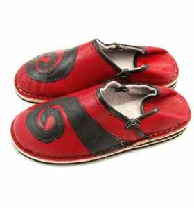 Spiral Slippers made of Red & Black Leather