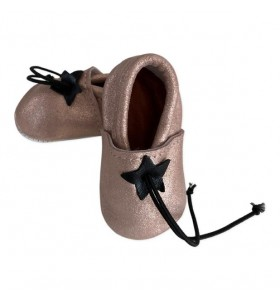 Baby slippers in shiny pink leather
