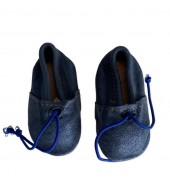 Baby slippers in shiny blue...