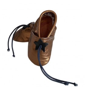 Baby slippers in bronze leather