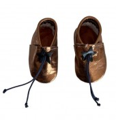 Baby slippers in bronze...